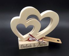 Wood Gifts Gifts and gift ideas for the birth or baptism for girls and boys. Wood Projects That Sell, Small Wood Projects, Wooden Crosses, Wooden Hearts, Craft Gifts, Diy Gifts, Barbie Paper Dolls, Weekend Crafts, Wood Wedding Signs