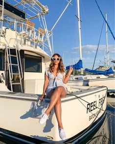 What do you have planned this weekend? I have my fingers crossed for lots of outdoor activities because the weather… Champion Sneakers, Keds Champion, Summer Outfits Women, Summer Girls, White Keds Outfit, Petite Outfits, Cute Outfits, New Orleans Fashion, Heart Sunglasses