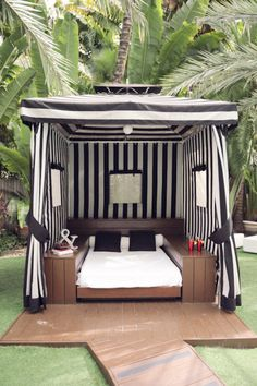 great cabana, The National Hotel Outdoor Rooms, Outdoor Living, Outdoor Decor, Outdoor Bedroom, Outdoor Daybed, Deck Decorating, Interior Decorating, Ar Fresco, Gazebos