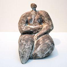 Sculpture Textile, Sculpture Clay, Abstract Sculpture, Ceramic Birds, Ceramic Art, Ancient Goddesses, Sculptures Céramiques, Greek And Roman Mythology, Ceramic Figures
