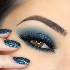 Fabulous Eye Makeup Ideas Make Your Eyes Pop - Sexy Eye Makeup Looks Give Your Eyes Some Serious Pop – Gorgeous matching eye makeup and nails - Sexy Eye Makeup, Eye Makeup Tips, Smokey Eye Makeup, Gorgeous Makeup, Love Makeup, Beauty Makeup, Makeup Looks, Makeup Ideas, Makeup Kit