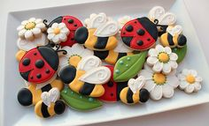 Bees and Ladybug Cookies by SweetSugarBelle, via Flickr I kinda want these lady bugs and flowers