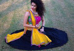 Trendy unseen Navratri Chaniya Choli Designs from Local stores - LooksGud. Garba Dress, Navratri Dress, Navratri Garba, Indian Skirt, Indian Dresses, Indian Outfits, Indian Attire, Indian Ethnic Wear, Chaniya Choli Designer
