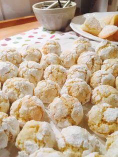 Kokosovo-pomerančové crinkles Small Desserts, Low Carb Desserts, Sweet Recipes, Snack Recipes, Cooking Recipes, Low Carb Brasil, Low Carb Bread, Sugar Cookies, Cupcake Cakes