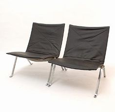 Botterweg Auctions Amsterdam > Two lounge chairs PK22, chromed flat steel frame with leather seat and back, design 1955-'56 by Poul Kjaerholm (1929-1980), executed by E. Kold Christensen / Denmark at later date