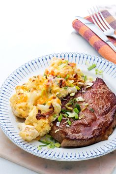 Pork Shoulder Chops with Cauliflower Au Gratin Recipe Side Dish Recipes, Low Carb Recipes, Cooking Recipes, Healthy Recipes, Radish Recipes, Cheesy Cauliflower Recipes, Keto Cauliflower, Easy Pork Chop Recipes, Comida Keto