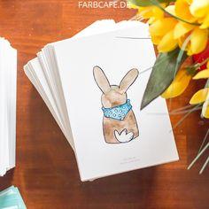 Osterhasen haben coole Halstücher, die sie euch zeigen wollen. Versende diesen illustrierten Hasen als Postkarte zu Ostern!