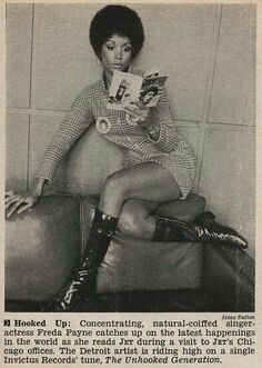 OMG Thisis so Star Trek! Singer Freda Payne Lounging and Reading Jet Magazine - Jet Magazine January 1970 Jet Magazine, Black Magazine, Afro, Women In History, Black History, Freda Payne, Vintage Black Glamour, Vintage Beauty, Black Pride