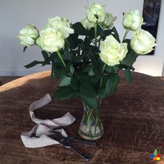 These white roses are new in our shop.  Anyone for a monthly rose subscription box? #white #roses #subscriptionbox #fresh #weekend