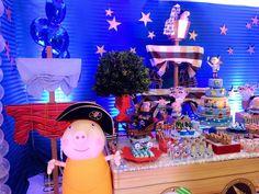 Hoje tem Festa George Pig Piratas!!Muito amor por esta decoração.Imagens Fabrika de Festas by Eliane Guardini.Lindas ideias e muita inspiração.Bjs, Fabíola Teles.Mais ideias lindas: Fabrika de...