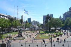 Plaza de Mayo desde el balcón presidencial, Buenos Aires, Argentina.  Desde este mismo lugar los presidentes se dirigieron al pueblo  #gobierno #cabildo