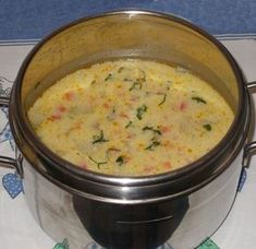 Ciorba cu dovlecei si iaurt Soup Recipes, Dessert Recipes, Cooking Recipes, Healthy Recipes, Good Food, Yummy Food, Romanian Food, Soups And Stews, Food To Make