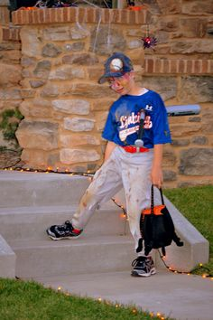 Kids Playing Football In Backyard . Kids Playing Football In Backyard . 12 Active Games to Play Alone Baseball Halloween Costume, Baseball Costumes, Diy Halloween Costumes For Kids, Kids Costumes Girls, Boy Costumes, Costume Ideas, Halloween Stuff, Happy Halloween, Costumes 2015