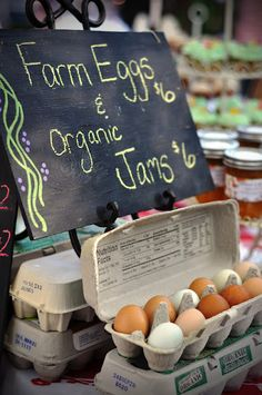 Love this chalkboard farm fresh eggs sign for a farmer's market display Country Farm, Country Life, Country Living, French Country, Farm Stand, Farms Living, Down On The Farm, The Ranch, Farm Life