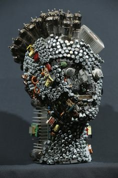 Muharrem Batman crafts stunning busts made from recycled circuit boards, CPUs, wiring, keyboards and other scraps salvaged from his electronics shop. Batman Crafts, Electronic Scrap, Trash Art, Found Object Art, Science Fiction Art, Human Art, Assemblage Art, Fantastic Art, Recycled Art