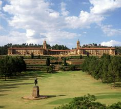 Daytrip to Union Buildings in Pretoria. Tennis Trainer, Pretoria, Family Outing, Terrace Garden, My Land, Tennis Players, Heritage Site, Beautiful Eyes, Day Trips