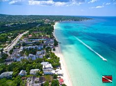 Incredibly Stunning Aerial Views of The Real Jamaica You Have Never Seen Negril Jamaica, Jamaica Vacation, Montego Bay, Jamaica Island, Pond Waterfall, Island Nations, Paradise On Earth, Countries Of The World, Beautiful Islands