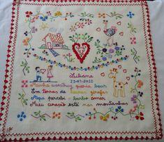Lenços bordados de Viana. Estes lenços serviam de presente entre namorados www.plturismo.com