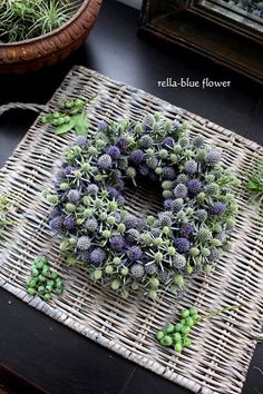 "fresh flower lessons"" – Famous Last Words Christmas Gift Decorations, Flower Decorations, Christmas Wreaths, Dried Flower Wreaths, Dried Flower Bouquet, Deco Floral, Arte Floral, Mothers Day Wreath, Country Wreaths"