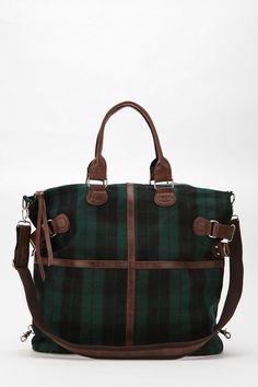 Scottish beauty - I actually have a messenger bag that looks like this *_*