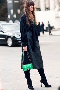 I am lusting over THIS BEAUTIFUL GREEN CHANEL BAG . Thou i would really like this in a Green medium large classic flap. Surely the next on my wishlist.