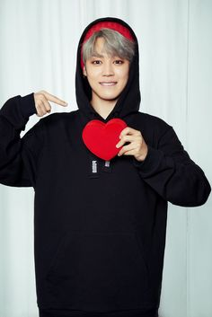 Dizcul posted photos of #BTS for PUMA's 'Valentine's Day Boyfriend Look' Special. facebook.com/dizcul/posts/1…