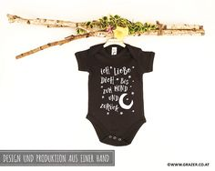 Bodys - Babybody mit Spruch | 1 - ein Designerstück von Dr_Grazer_und_Co bei DaWanda Bodysuit, Game Design, Onesies, Unisex, Kids, Etsy, Clothes, Fashion, Grandma And Grandpa