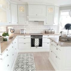 White Kitchen Design Ideas For The Heart Of Your Home - Page 5 of 68 - LoveIn Home Florida Kitchen Design with wood floors, granite countertops, and custom cabinet design ideas 50 amazing kitchen remodel ideas the most liked 5 Kitchen Remodel, Kitchen Decor, Modern Kitchen, New Kitchen, Kitchen Dining Room, Kitchen Dining, Home Kitchens, Kitchen Renovation, Kitchen Design