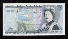 English Banknotes 5 Pounds Note, Duke of Wellington & Queen Elizabeth