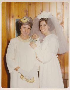 1970 bride Nancy with her mother