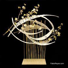 codigo:528..........Descripción:Ojivas y almendros en flor.