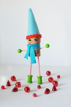 Make a Champagne-Cork Christmas Elf