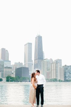An Intimate Chicago Beachfront Maternity Session with Kelly and Jon | Photographed by Fine Art International Wedding and Lifestyle Photographer Cassandra Eldridge of Cassandra Photo