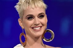 Celebrity Short Hair, Celebrity Haircuts, Latest Haircuts, Cute Haircuts, Pixie Haircuts, Straight Hairstyles, Girl Hairstyles, Short Hair Cuts, Short Hair Styles