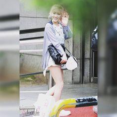 @taeyeon_ss_com - Instagram:「150717 태연이 -3 #뮤직뱅크 #재출근 #안녕~ #태연 #탱구 #요정탱 #TY #taeyeon #소녀시대 #SNSD #Party @taeyeon_ss」