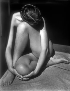 Nude - Edward Weston, 1936  Love this pic. Chose to do a college assignment on it once and had to emulated it in a shoot - needless to say I did not come close - but this photo and Weston's style always inspires me.