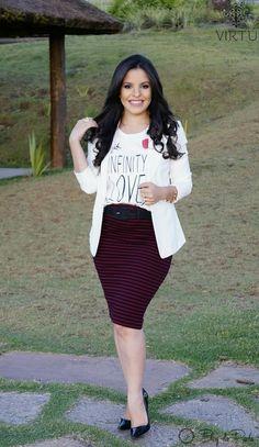 Look do Dia: T-shirt com saia lápis e blazer | Blog da Paola