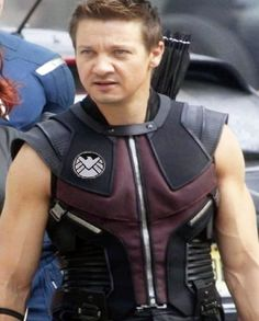 Jeremy Renner The Avengers Hawkeye Vest  sc 1 st  Pinterest & DIY Hawkeye Costume (Marvel) | Pinterest | Marvel Costumes and ...