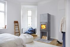 Perfect Tulikivi for your bedroom! Soapstone, Foyer, Bean Bag Chair, Home And Garden, Bedroom, Interior, Fireplaces, Stove, Wood Heaters