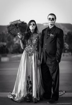 Day Of The Dead 2013. Dia De Los Muertos. Hollywood. Hollywood Forever Cemetery. Mitch Holloway Photography. Dead Bride Kelly Fenton. Dead Groom Mitch Holloway. Make up by Yuriko. Sugar Skull. Vintage. Dead Bride. Parisol. Wedding Dress. Hollywood. Los Angeles