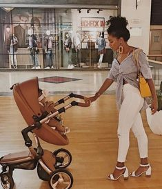 Me and my future husbands baby cause I don't be getting pregnant with just anyone 🚮 Pregnancy Goals, Pregnancy Outfits, Future Daughter, Future Baby, Cute Kids, Cute Babies, Baby Momma, Mommy Style, Maternity Fashion