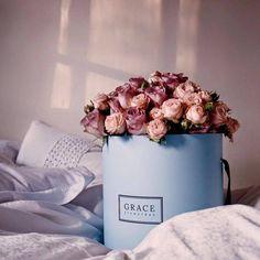 Grace Flowerbox mit rosafarbenen Rosen