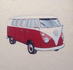 VW bus. Rood Kussenhoes € 20,00