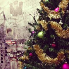 The Riverside Christmas tree is now decorated. The perfect match for the wallpaper. #radissonbluriversidehotel #gothenburg #lindholmen #whereideasareborn #xmas http://www.radissonblu.com/riversidehotel-gothenburg