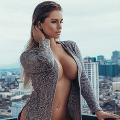 She is voluptuous and beautiful beyond measure Lingerie Look, Lingerie Dress, Sexy Women, Femmes Les Plus Sexy, Sexy Body, Gorgeous Women, Hot Girls, Glamour, Poses