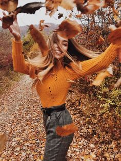 #autumn #portrait #fashion #sweaters #girl #girlportrait #autumnfashion #autumnphotography #winter #winterphotography #fall #leaves #pants #check Portrait, More Photos, Hipster, Photo And Video, Clothes, Instagram, Style, Fashion, Outfits