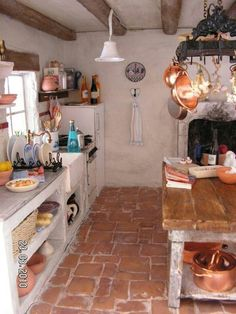 49 Stunning French Country Style Kitchen Decor Ideas - HOMYFEED A French country kitchen can be a welcome addition to your home because it offers you the warm feeling of … Rustic French Country, French Country Kitchens, Farmhouse Style Kitchen, French Country Decorating, New Kitchen, Kitchen Rustic, Kitchen Country, Kitchen Ideas, Kitchen Sink