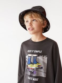 SKATE T-SHIRT Pretty Boys, Cute Boys, Kids Boys, Skate Shirts, Boys T Shirts, Fashion Kids, Graphic Tee Style, Graphic Tees, Skate Boy