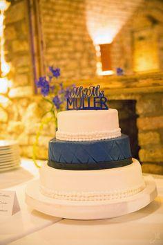 Weiß mit Schleife Klassische Hochzeitstorten