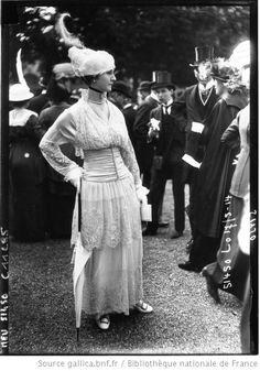 Modes à Longchamp : visite du roi du Danemark.